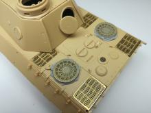 Sd.Kfz. 171 Panther D early fan cover with grilles - 2.